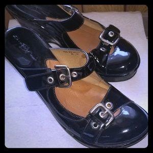 Born black patent dress/ casual shoes